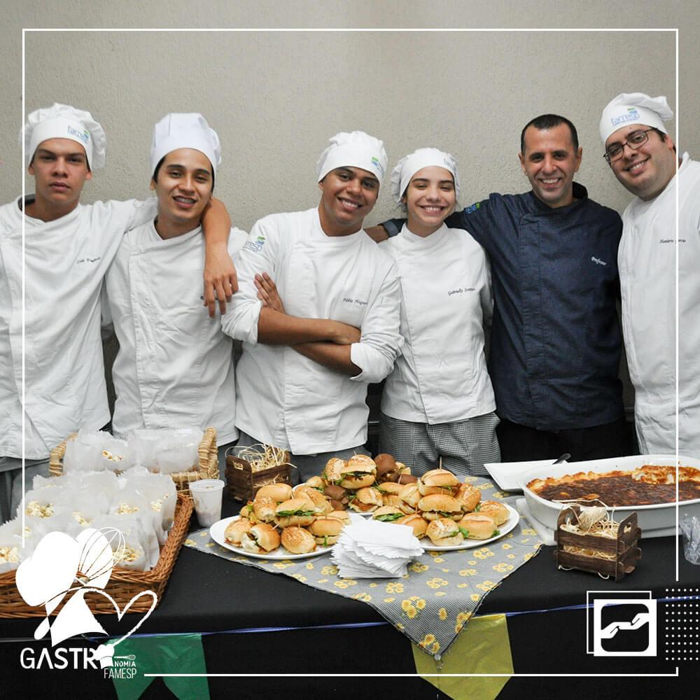 aulas-praticas-curso-gastronomia-projeto-turma-sgmuv-famesp